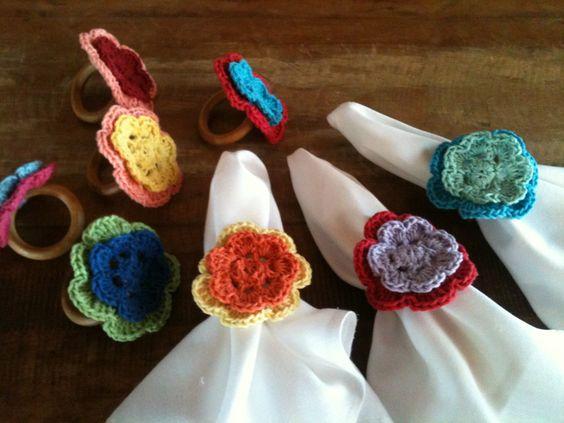 porta guardanapo com flor de croche
